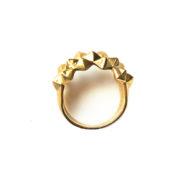 130 ph2 Studs Ring Bold Brass Glossy liggend van boven