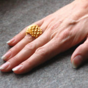 Studs Ring Bolder goldplated on hand