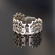 Modern Lace Ring silver glossy on black